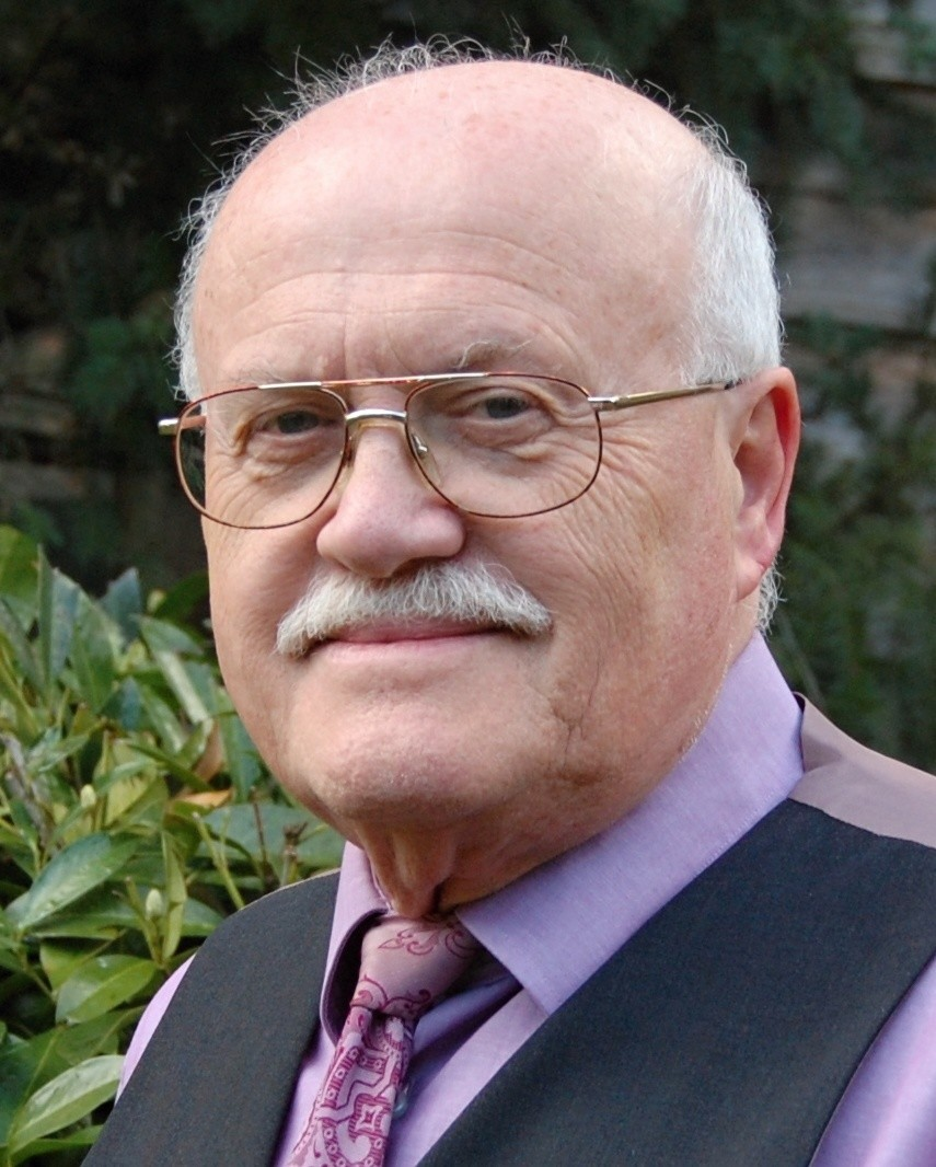 Dr. Manfred Lohr